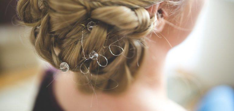 Comment trouver le style de coiffure idéal pour un mariage ?