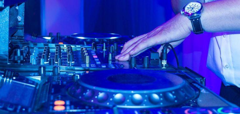 Des préparations de mariage réussies avec l'aide d'un bon DJ